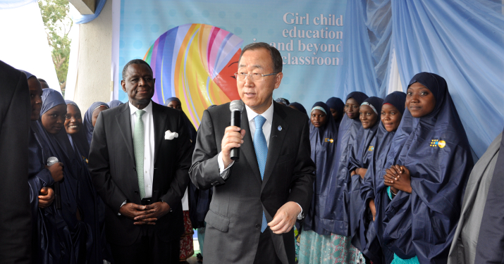 Ban Ki-moon visits school in Nigeria. Photo: UN